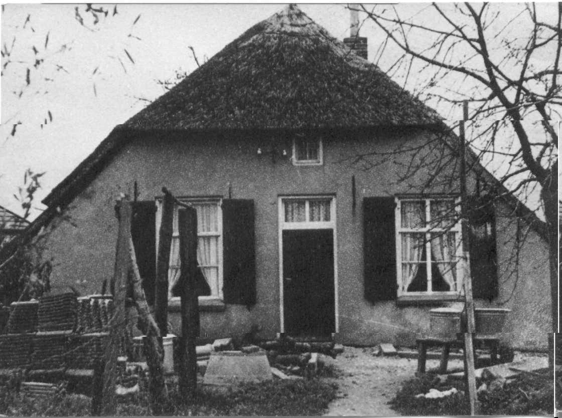 de voorkant van het oude huis in groessen veldzijde